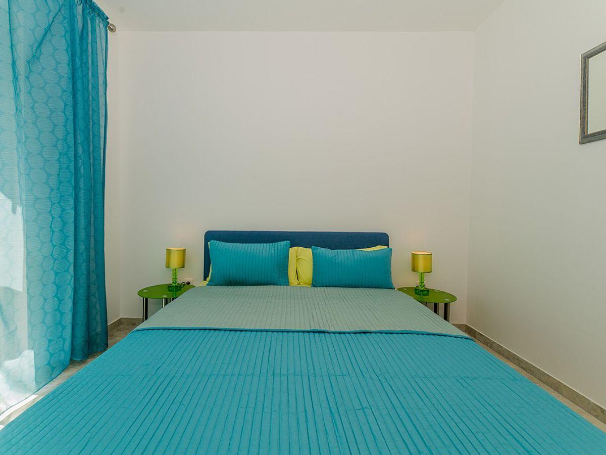 ferienwohnung boras 1 vir firma adela travel j d o o adela turkovic. Black Bedroom Furniture Sets. Home Design Ideas