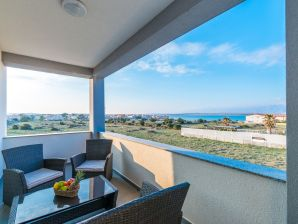 Holiday apartment Andreja quietly located with sea view