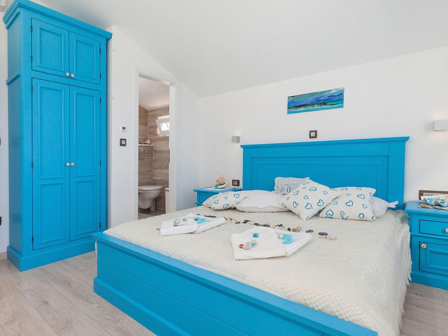 Traum schlafzimmer mit pool  Ferienhaus Makarska mit Pool und Meerblick, Dalmatien, Makarska ...