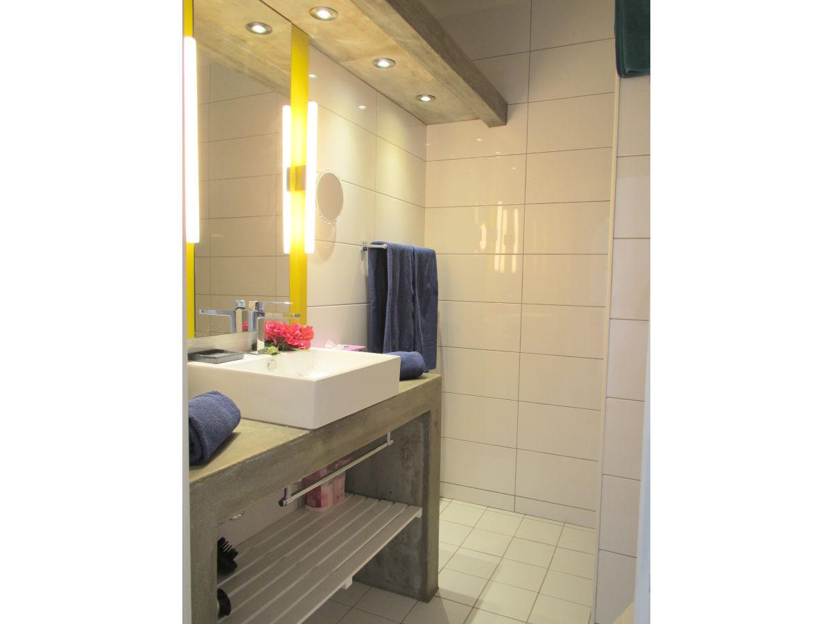 apartment em casa lagos frau elena laranjeira deutsche. Black Bedroom Furniture Sets. Home Design Ideas