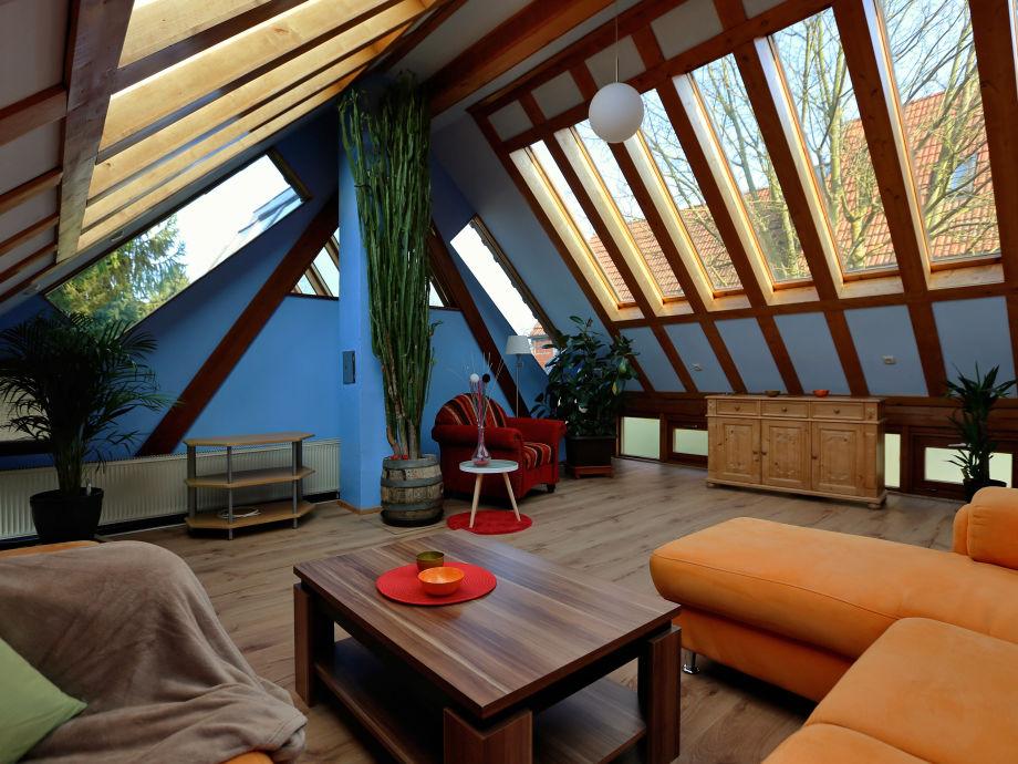 Wohnzimmer mit Sonnenflair