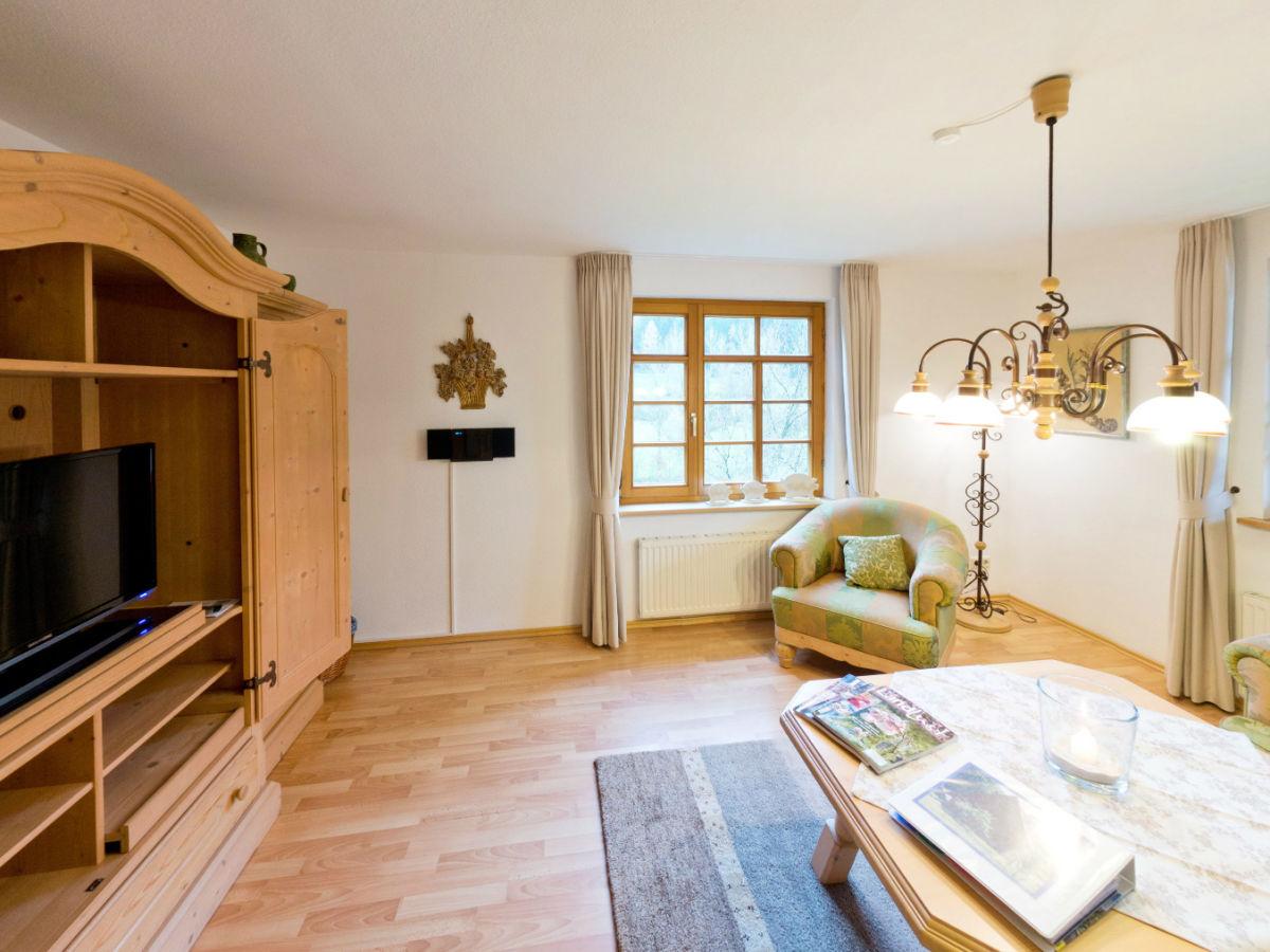 Ferienwohnung lavendelhaus eg auf dem hof reichenbachtal for Wohnzimmer zur mitte
