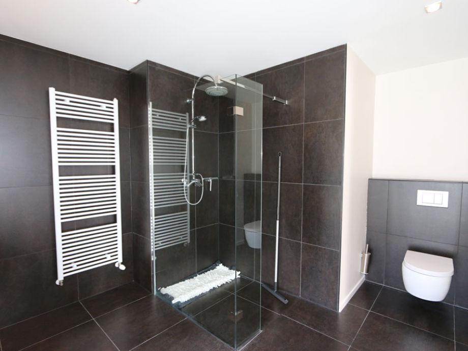 Moderne Dusche Barrierefrei : Ferienhaus Irisweg 9, Zeeland ...