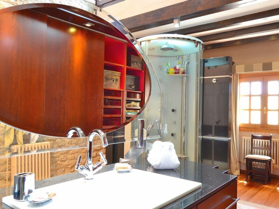 Moderne Badezimmer Mit Sauna Modernes Badezimmer Badezimmer En Suite U003d Badezimmer  Umbau Bei Pflegestufe