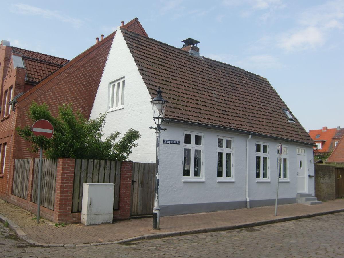 ferienwohnung das kleine graue haus friedrichstadt nordfriesland frau ulrike beste. Black Bedroom Furniture Sets. Home Design Ideas