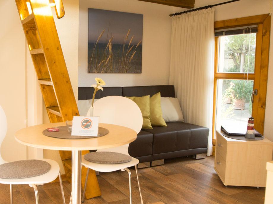 Wohnbereich mit Doppelschlafsofa (1,60x2,00m)