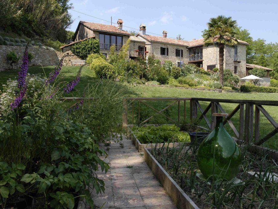 Haus vom Garten aus/House