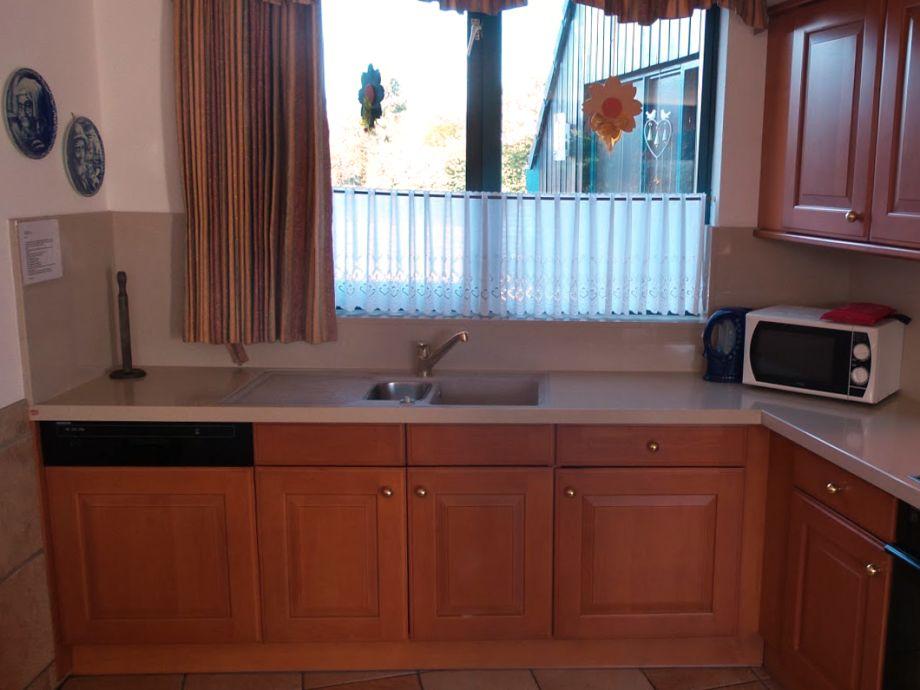 black pearl ferienhaus direkt am wasser ijsselmeer lemmer firma aqua holidays frau. Black Bedroom Furniture Sets. Home Design Ideas