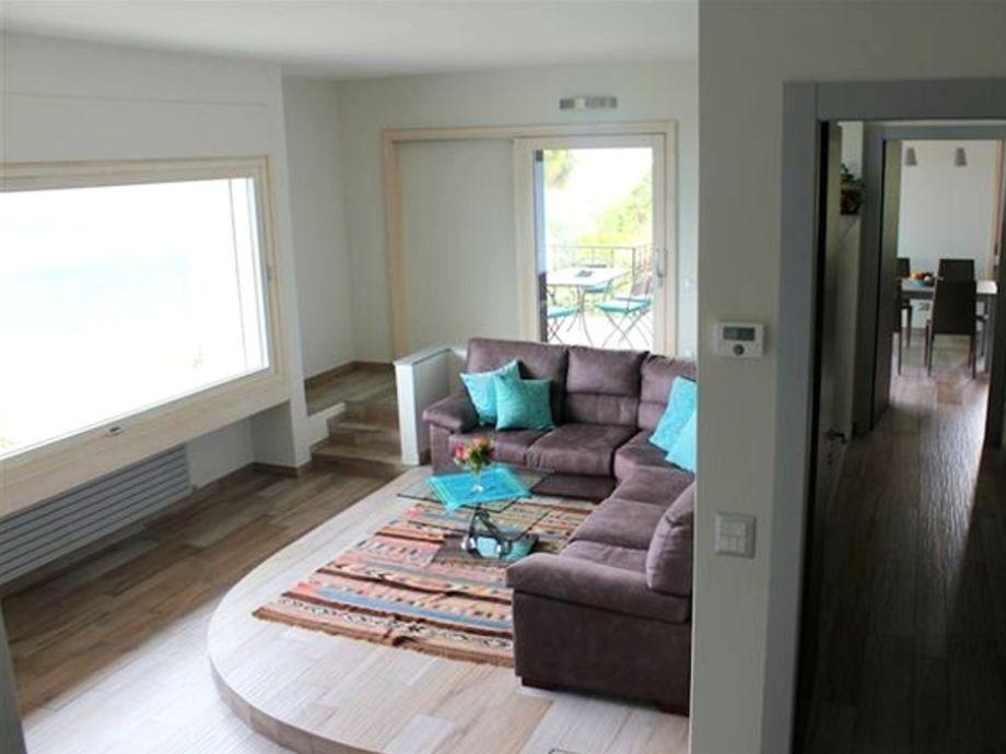 ferienhaus villa maggiore ghiffa lago maggiore firma lago reisen firma. Black Bedroom Furniture Sets. Home Design Ideas