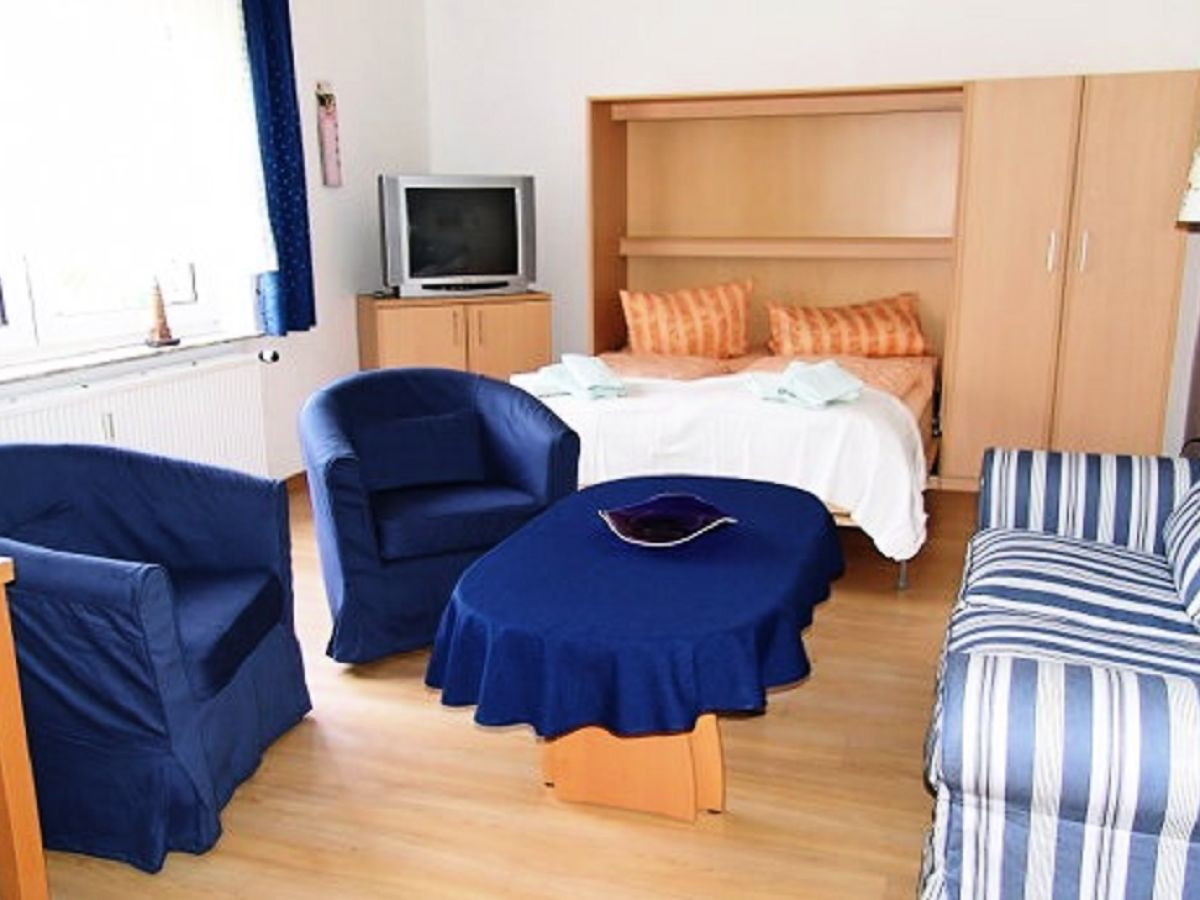 ferienwohnung haus albrecht 2 nordseeinsel borkum firma immobilienverwaltung annette willems. Black Bedroom Furniture Sets. Home Design Ideas