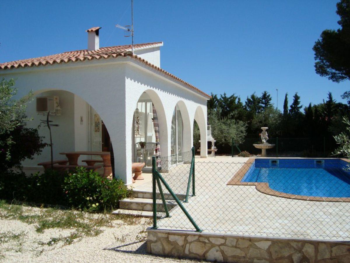Villa angela l 39 ampolla firma bahia mar s a asuncion marti - Pool am haus ...