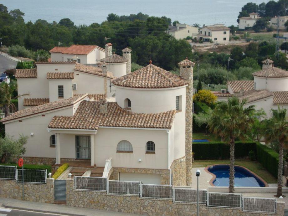 Blick auf die Villa Tina-II