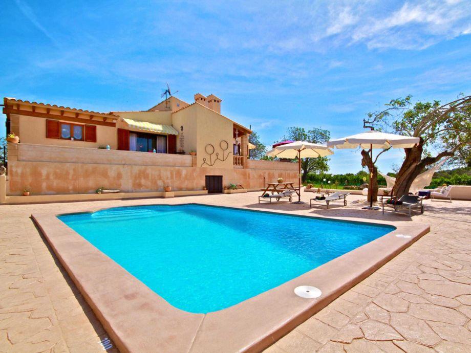 Große Terrasse, perfekt zum Sonnen und Entspannen