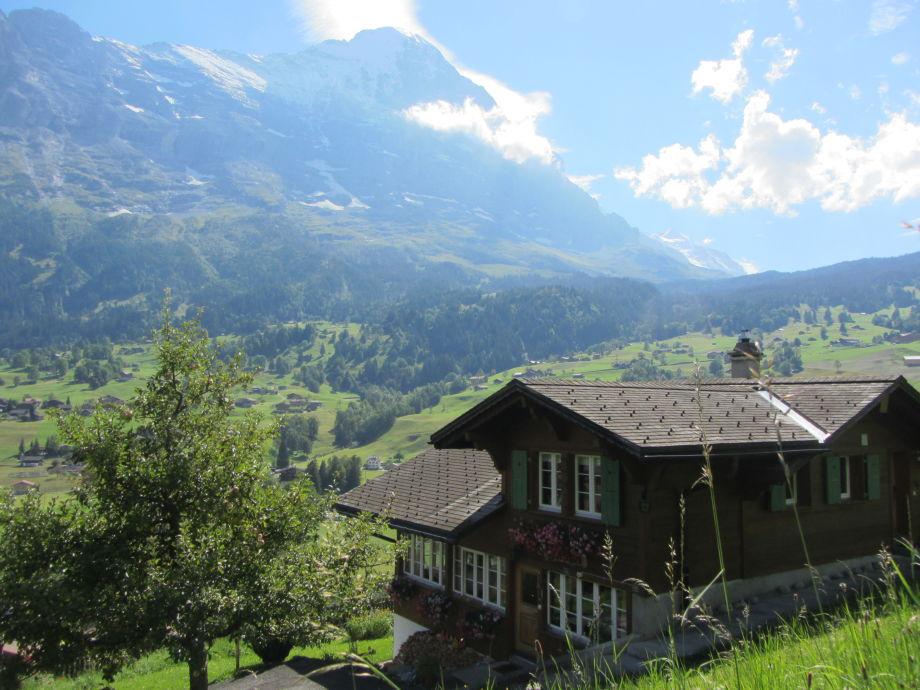 Haus mit Panorama im Sommer