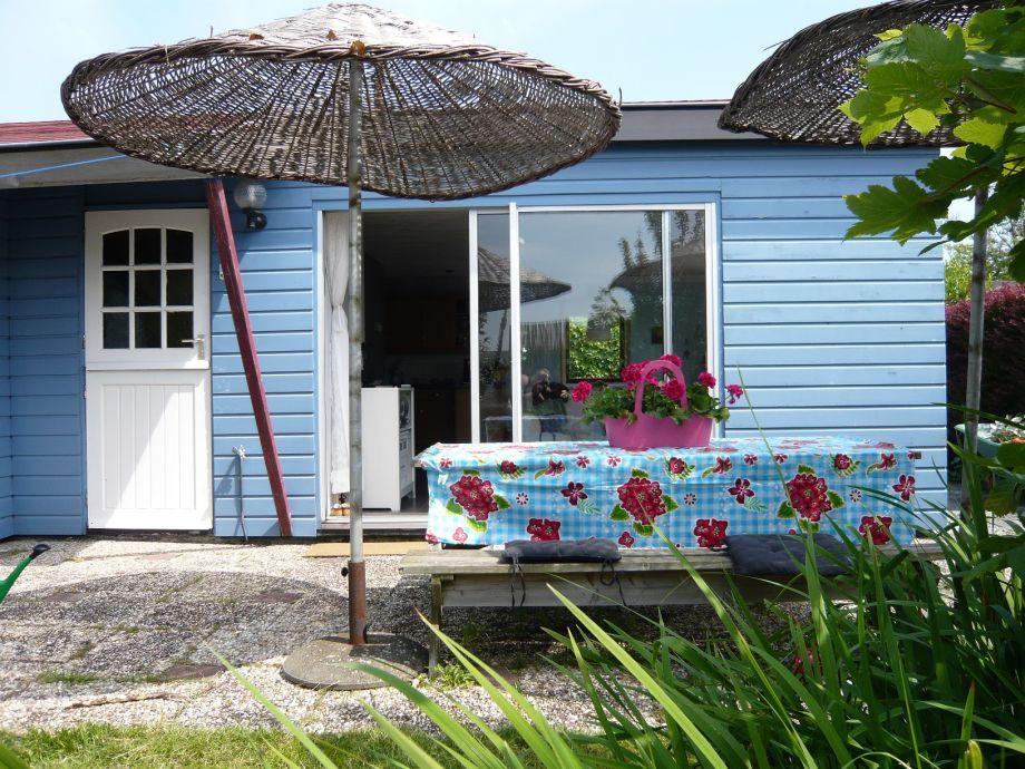 """Außenansicht vom Bungalow """"t Blauwe Huisje, Sint Maartenszee"""