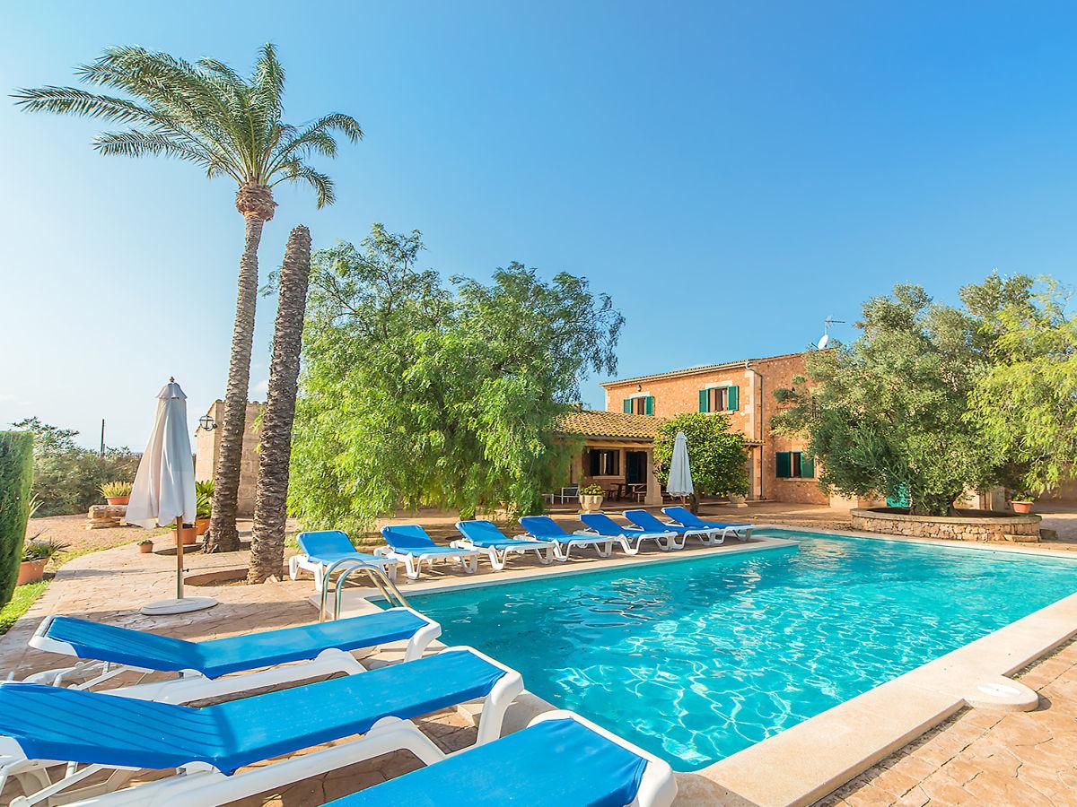 Pool-Finca Carolina, Mallorca, Campos - Firma Life & Art GmbH - Frau ...