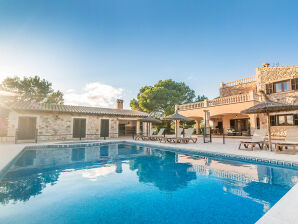 Pool-Villa Valentina 2