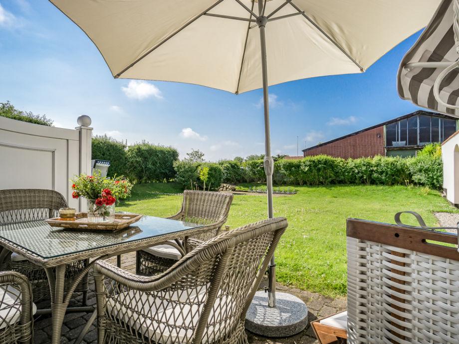 ferienwohnung schicke 2 zi fewo sylter lifestyle unter reet westerland auf sylt firma mrm. Black Bedroom Furniture Sets. Home Design Ideas