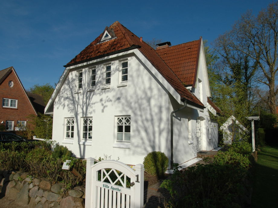 Villa Agathe in Strandnähe