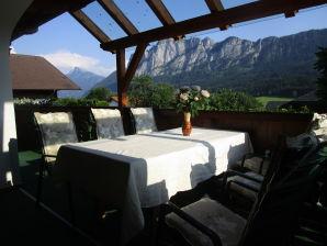 Große Ferienwohnung  - mit eigener Terrasse