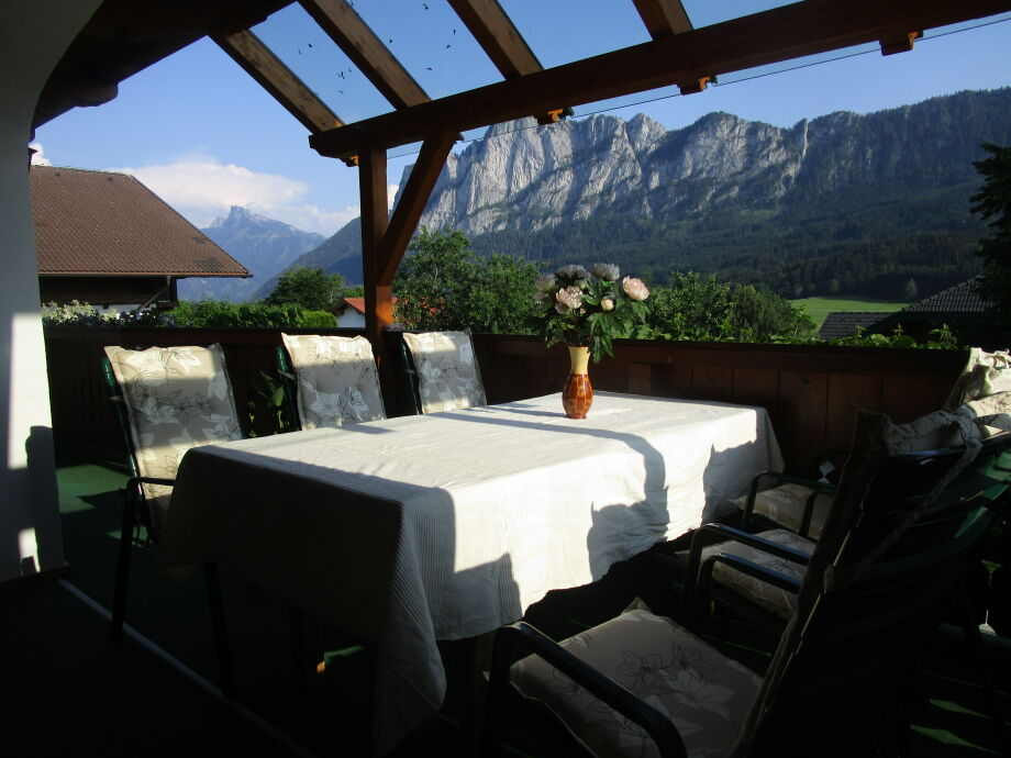 Ihre Terrasse mit Drachenwand und Schafberg