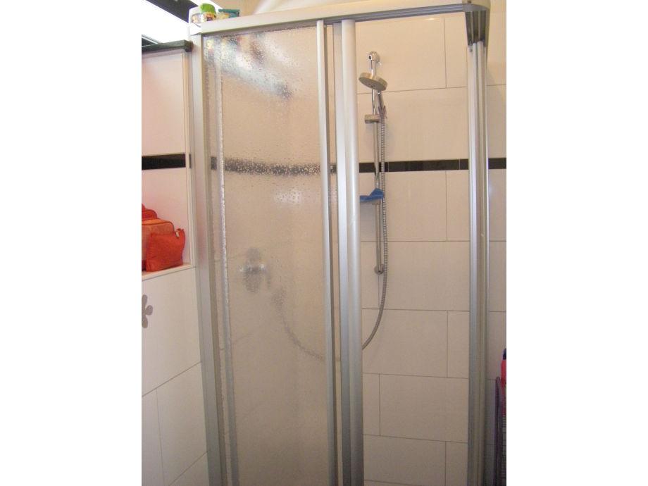 Dusche Rollstuhlgerecht : Dusche Rollstuhlgerecht : Gartenhaus Ferienwohnung T?bingen