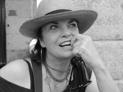Ihr Gastgeber Karen Grau