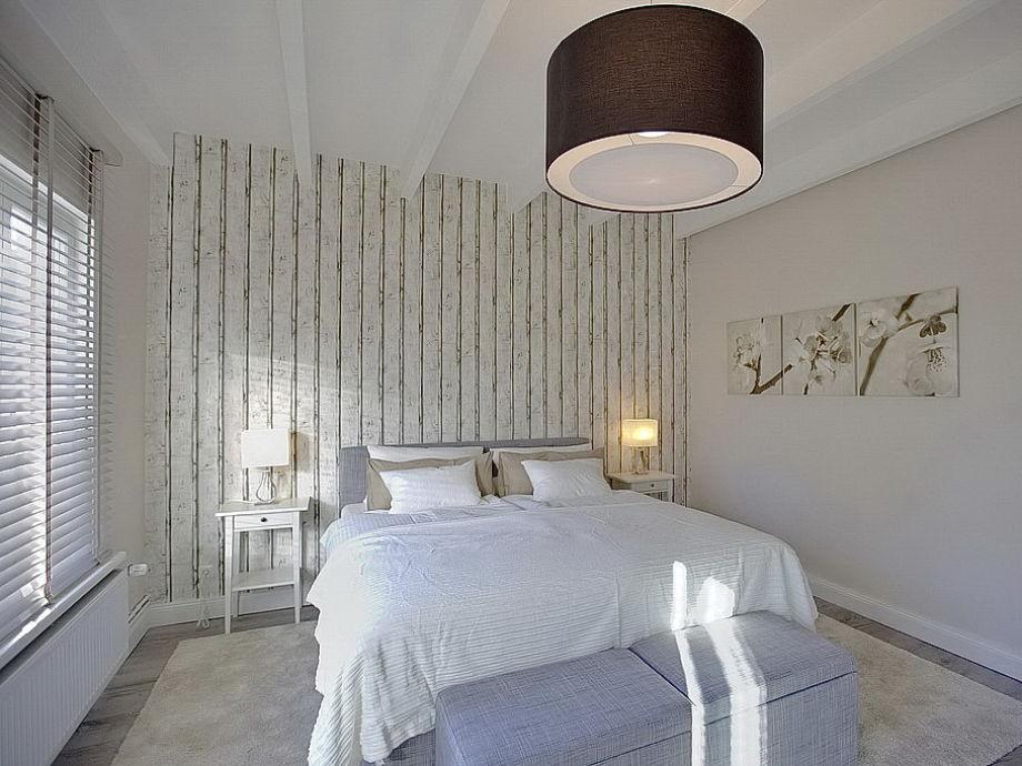 schlafzimmer mit boxspringbett verschiedene ideen f r die raumgestaltung. Black Bedroom Furniture Sets. Home Design Ideas