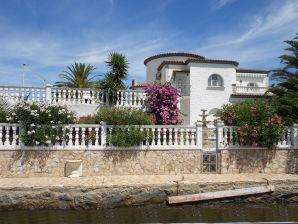 Ferienwohnung Paradies 48 mit Pool und Bootsplatz