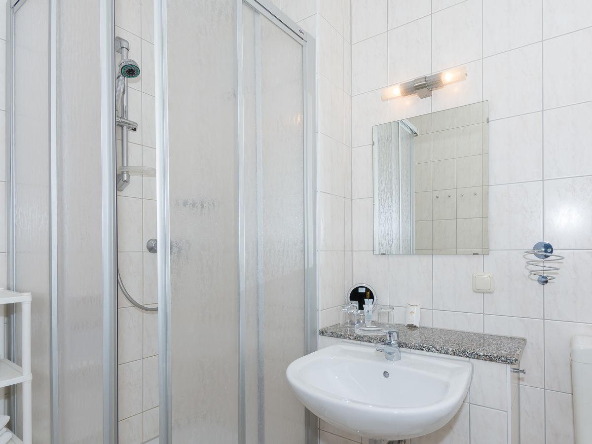 ferienwohnung 2 raum app haus anne insel r gen mecklenburg vorpommern firma. Black Bedroom Furniture Sets. Home Design Ideas