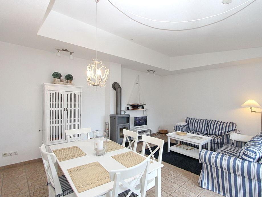 ferienhaus am hafen l becker bucht niendorf firma b bs appartements herr bastian wegner. Black Bedroom Furniture Sets. Home Design Ideas