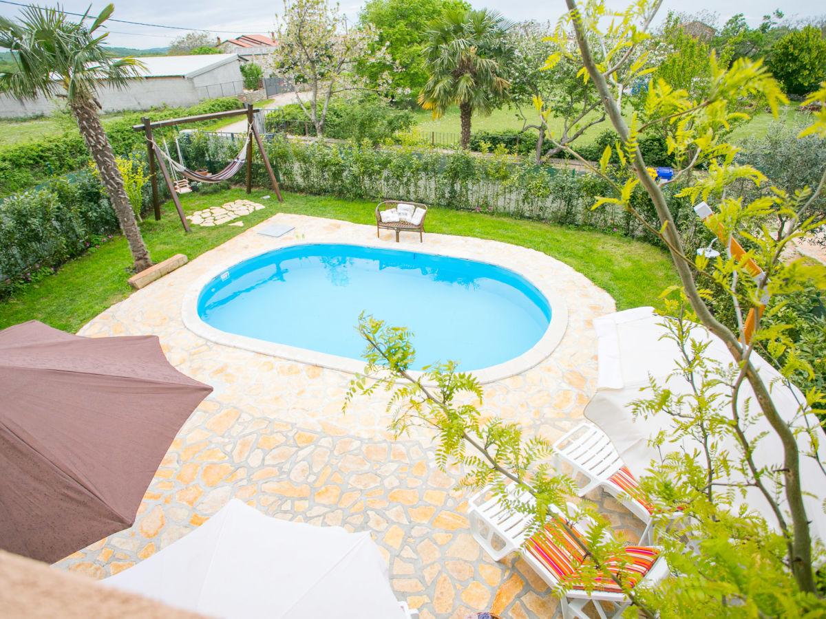ferienwohnung marinela mit pool istrien firma euro. Black Bedroom Furniture Sets. Home Design Ideas