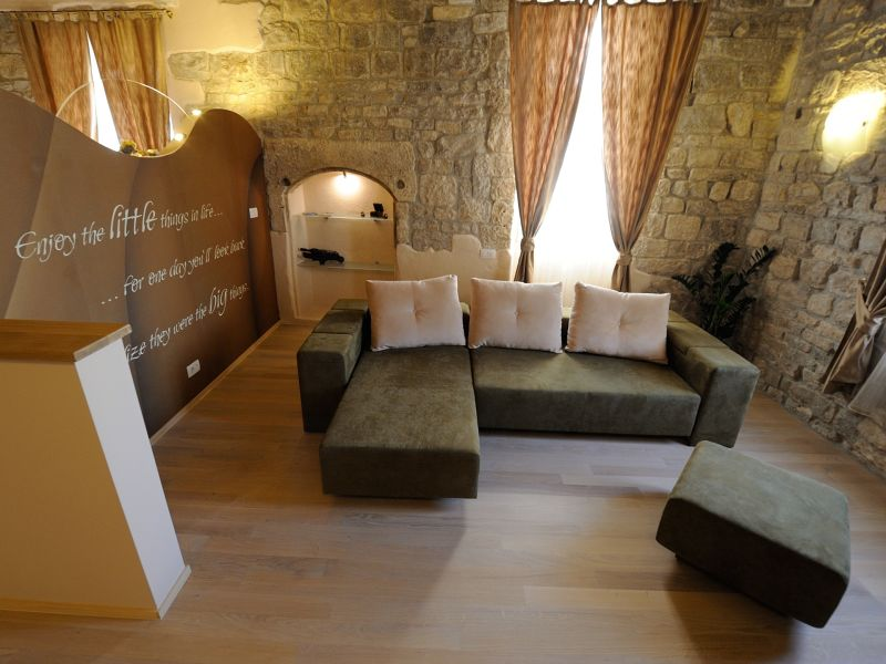 Apartment Desiderata