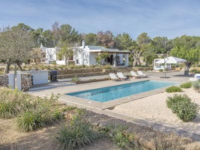 Ibiza Finca Retreat Can Benirras