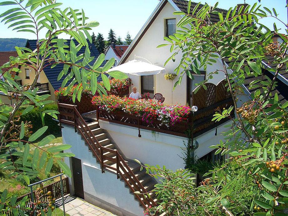 Haus König - Aufgang zur Fewo 1 mit Balkon/Terrasse