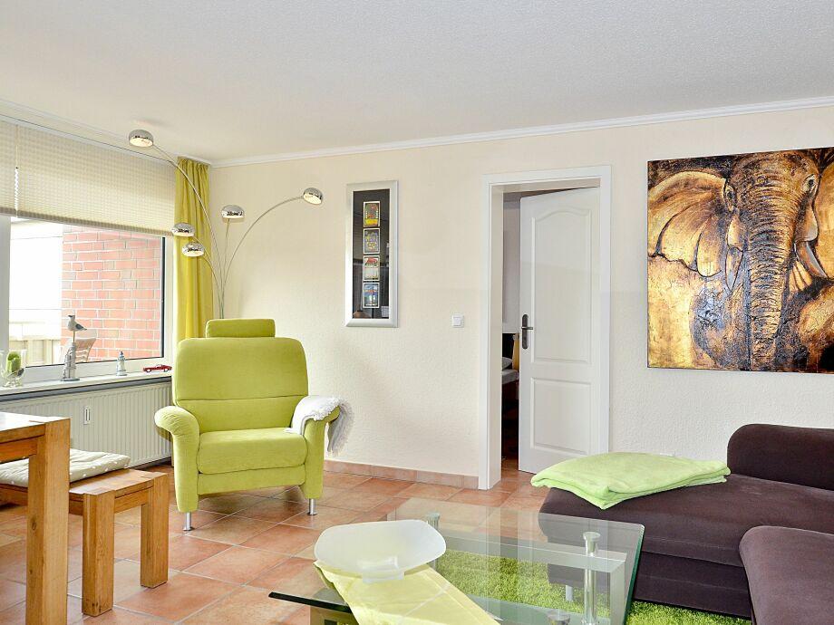 Modernes, lichtdurchflutetes Wohn-/Esszimmer