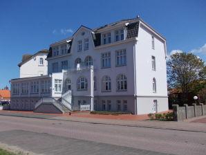 Ferienwohnung attraktive Fewo Oskar in Strandvilla Möwennest