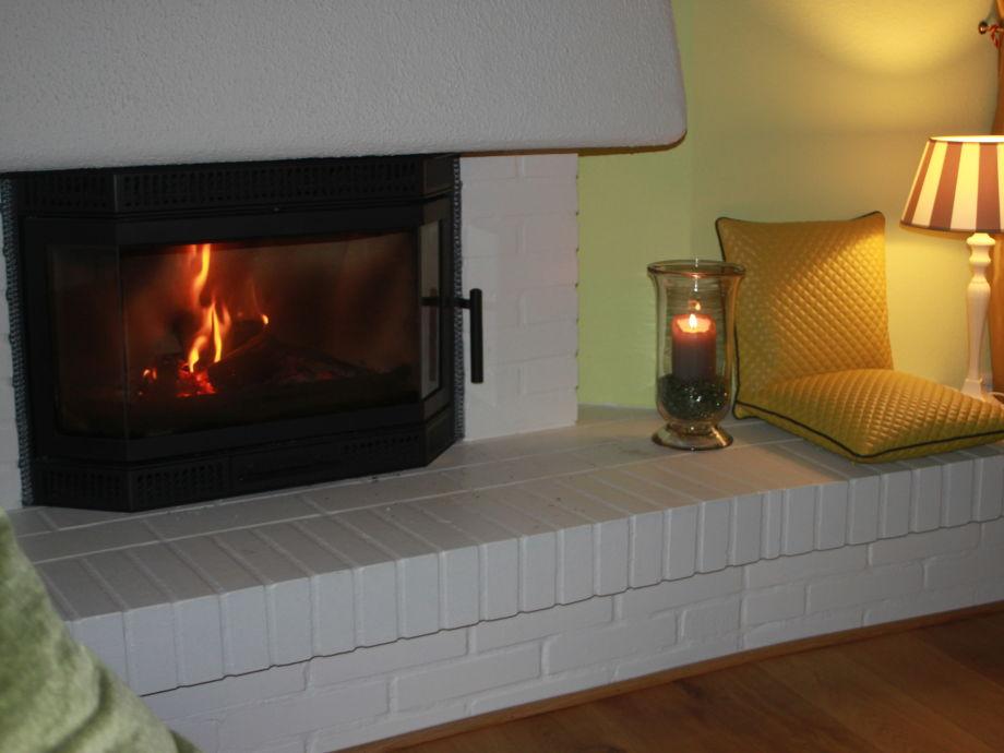 Wohn-/Esszimmer mit Kamin