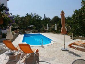 Ferienwohnung Angela mit Pool