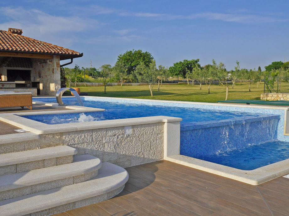 villa with wonderful sea view fa ana istria firma obrt za turizam bonsai ivan ugar. Black Bedroom Furniture Sets. Home Design Ideas
