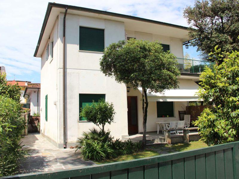 Ferienhaus Via Cavour 41, Pietrasanta, 100 Meter vom Meer