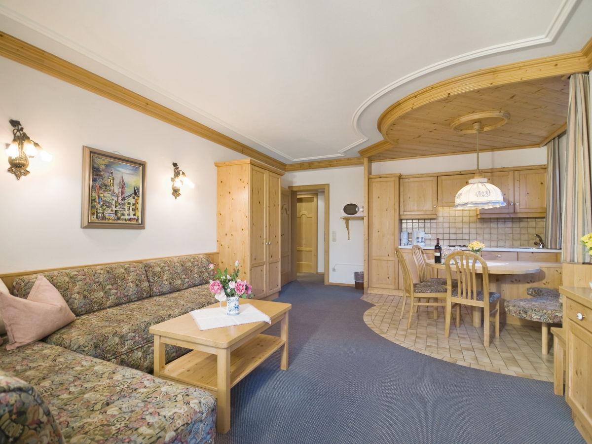 ferienwohnung apartment 1 brixen im thale frau renate haas. Black Bedroom Furniture Sets. Home Design Ideas