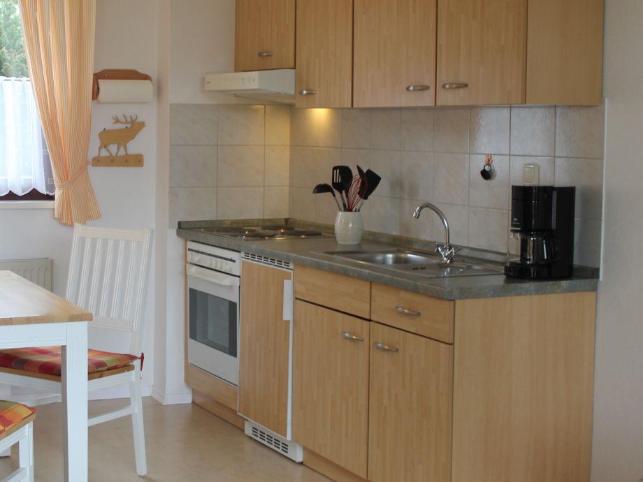 Küche mit Kaffeeschiene, Toaster, Backofen u.v.m