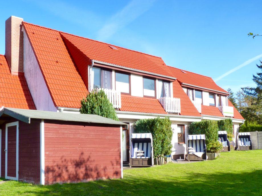 Südterrassen mit Strandkorb, Dach neu renoviert