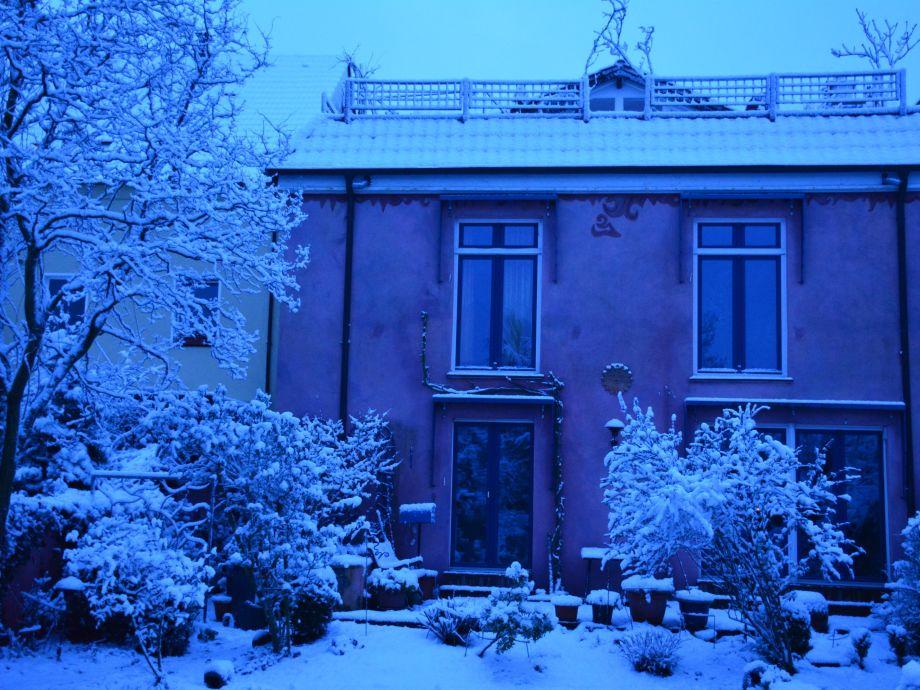 kalter Winterblick auf unser Haus