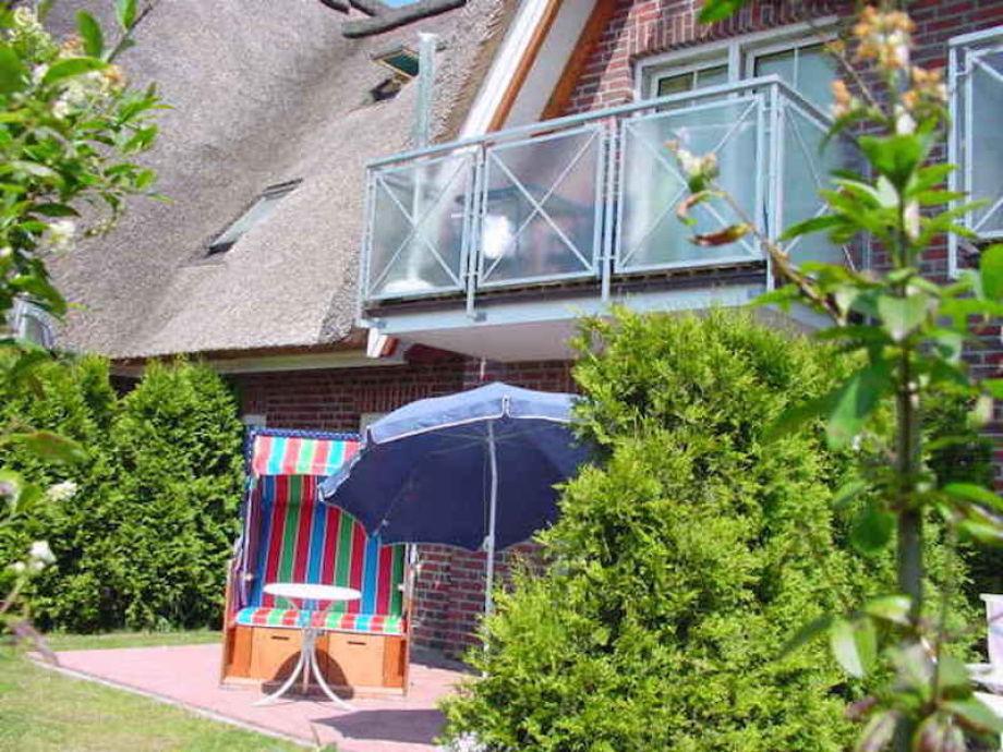 Sunny terrace - enjoy it in the beach basket