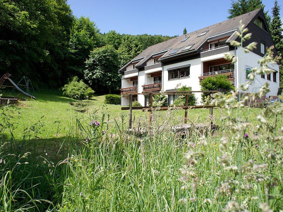 Haus und Garten mit Gebirchsbach