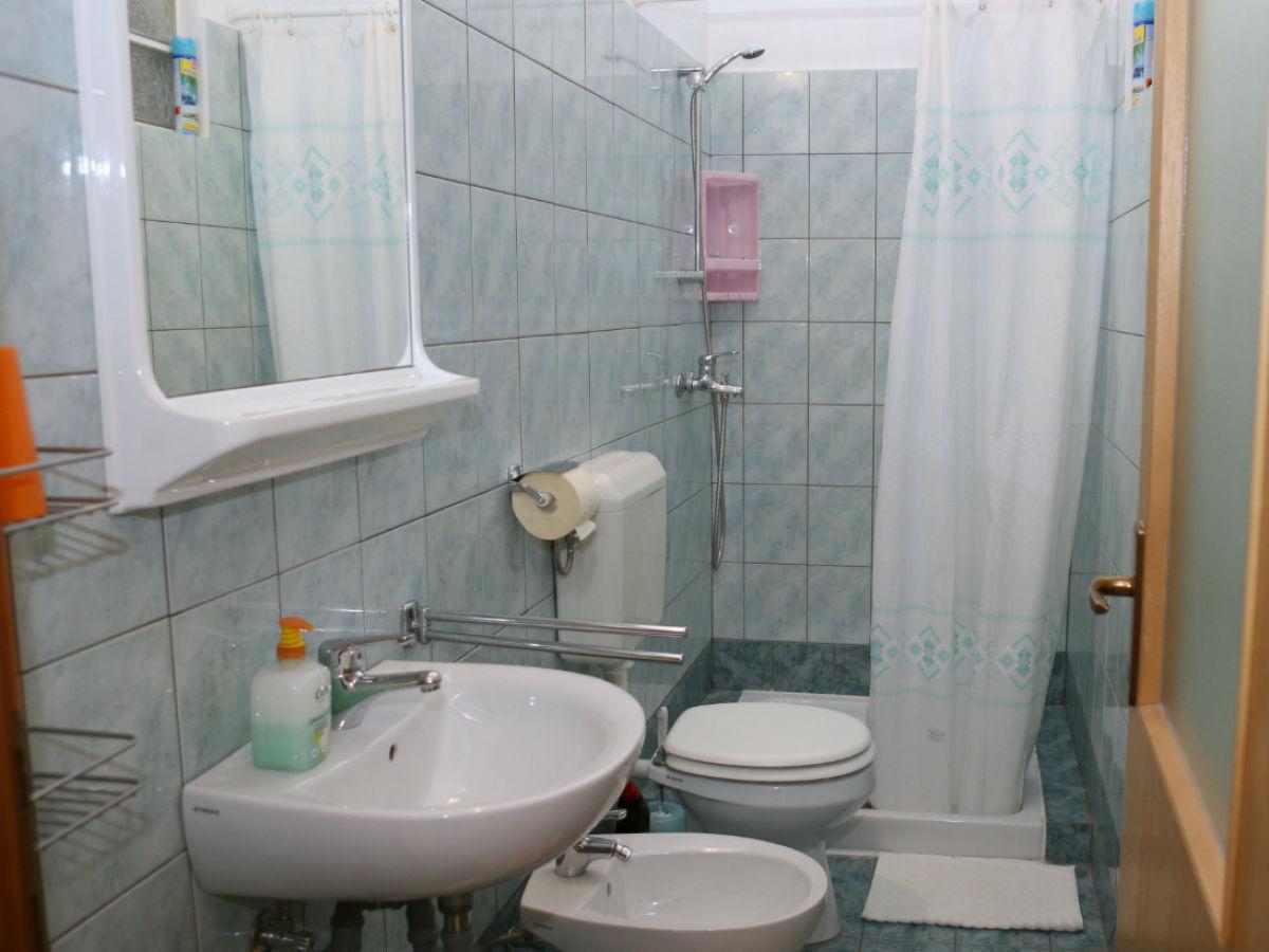 apartment boris pula istrien firma turisticka agencija albatours barbara kozljan. Black Bedroom Furniture Sets. Home Design Ideas