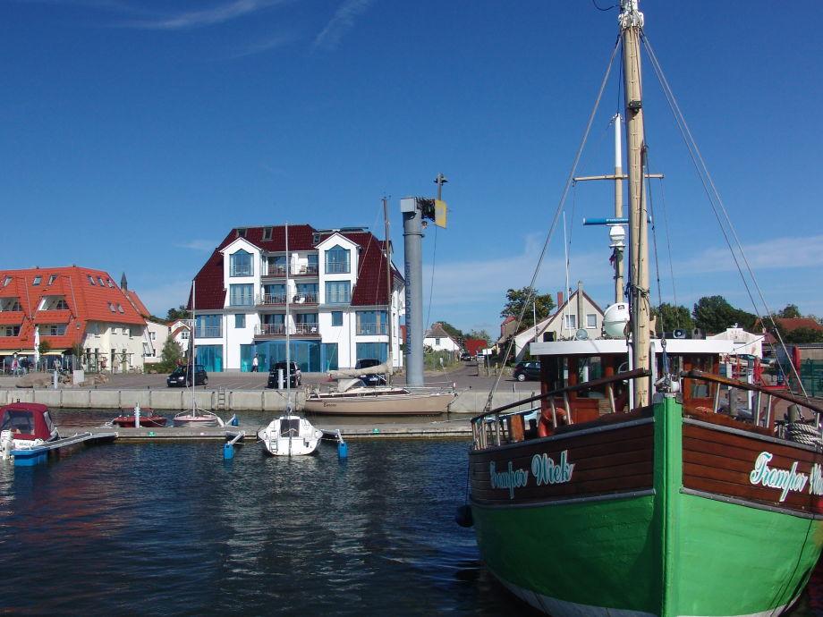Blick vom Hafen auf das Haus