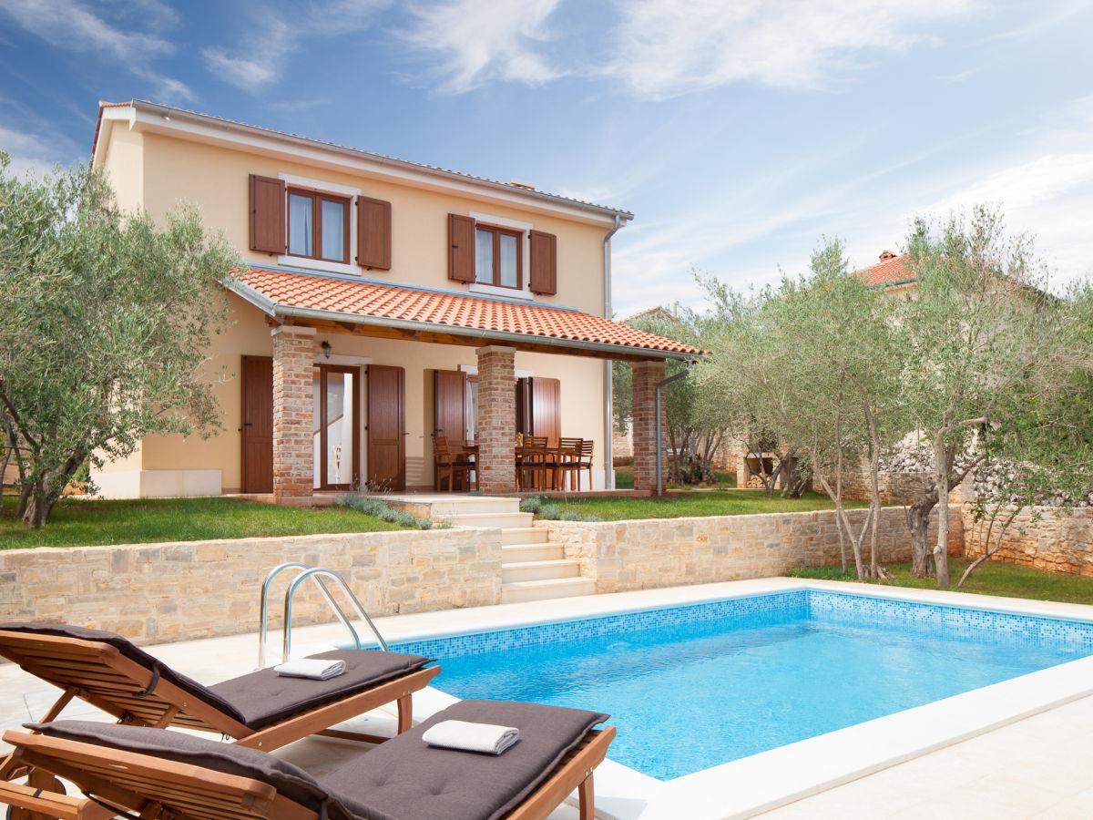 Villa rustica suzan krk firma adria luxury rent d o o for Villas rusticas